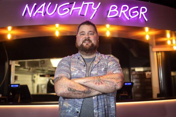 Naughty BRGR:n perustaja Akseli Herlevi haluaa osoittaa, että ravintola-alalla on mahdollisuus myös kasvuun.