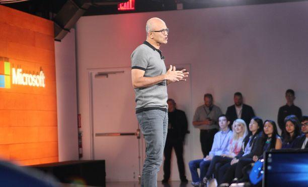Microsoftin toimitusjohtaja Satya Nadella sanoo olevansa innoissaan siitä, mitä tämän päivän koululaiset tekevät.