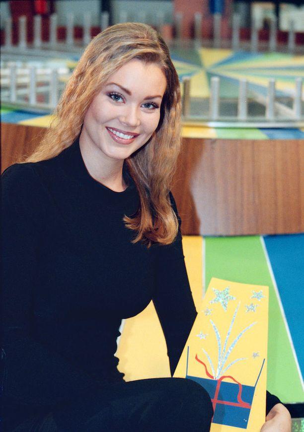 Saija Palin kuvattuna vuonna 1999, jolloin hän työskenteli Onnenpyörässä.