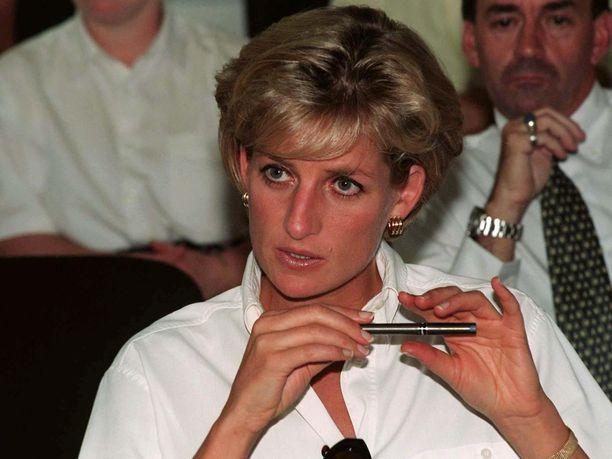 Prinsessa Diana menehtyi traagisesti auto-onnettomuudessa vuonna 1997.