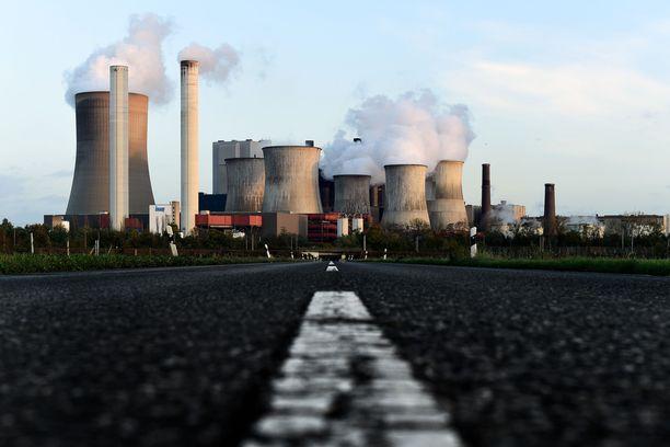 Kuvassa Bergheimissa Saksassa toimiva hiilivoimala. Kuva vuodelta 2017.