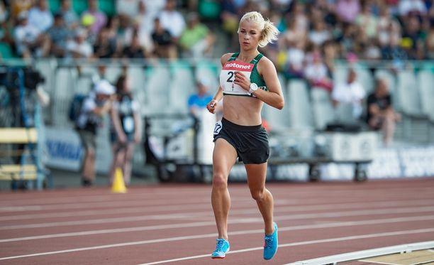 Alisa Vainio oli murskaavan ylivoimainen Harjun stadionilla.