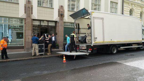Tavarat siirrettiin St. George -hotelliin sen sivuovesta.