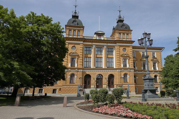 Junes Lokka on toiminut Oulun kaupunginvaltuutettuna vuodesta 2017.