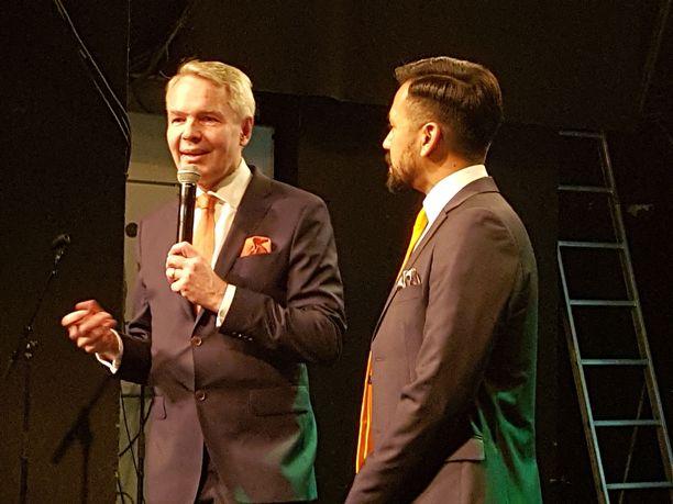 Pekka Haavisto ja puoliso Antonio Flores vihreiden vaalivalvojaisissa tammikuussa 2018.
