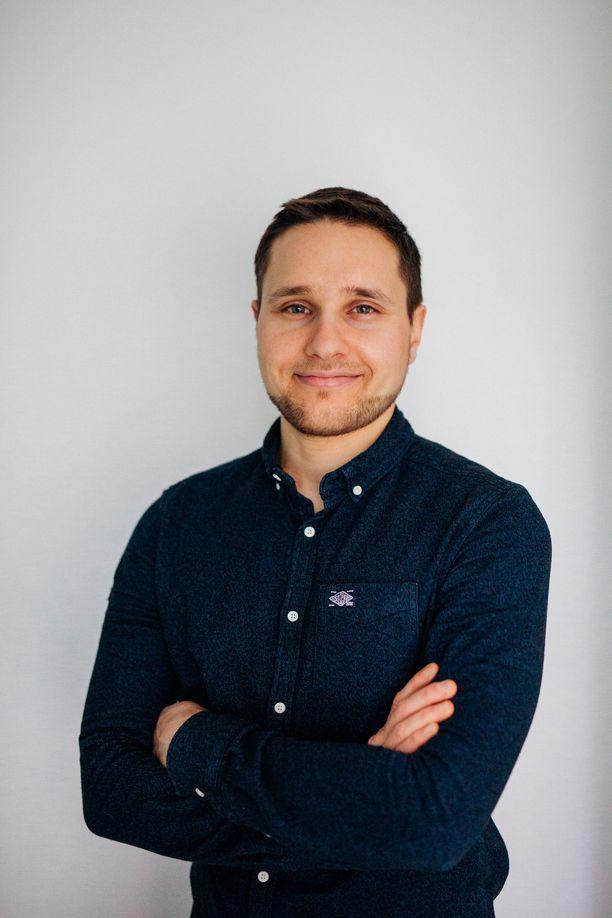 Terveystieteiden maisteri, fysioterapeutti ja laillistettu ravitsemusterapeutti Karim Khanji toimii Syö hyvä olo 2021 -testiryhmän asiantuntijana.