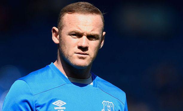 Wayne Rooney sai perjantaina osakseen kiusallista julkisuutta, kun uutinen hänen rattijuopumusepäilystään levisi mediassa.