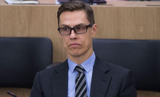 Kokoomuksen puheenjohtaja, valtiovarainministeri Alexander Stubb sai keskiviikkona vastata yksin ministeriaitiosta opposition hallintarekisteriarvosteluun.