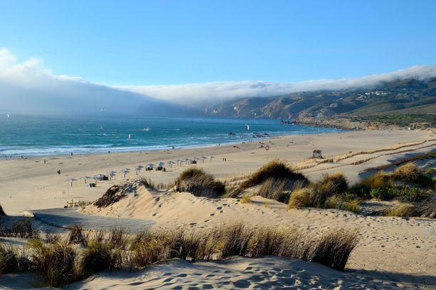 Surffaajien rakastama Quinchon ranta sijaitsee kohtuullisen lähellä Lissabonia.