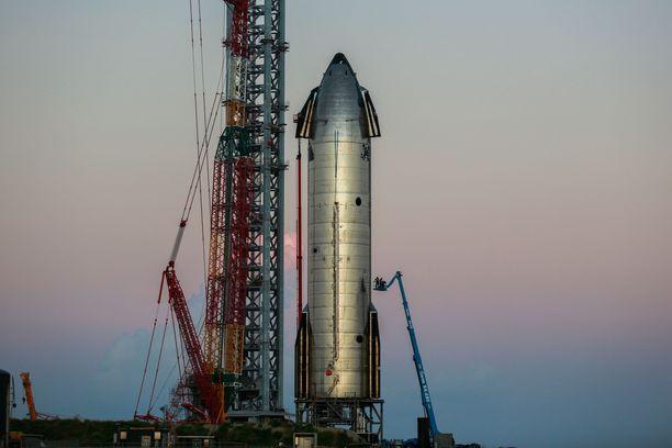 Avaruusyhtiö SpaceX:n Starship SN20 on 120 metrin varrellaan toistaiseksi pisin rakennettu avaruusalus. Sekin odottaa vielä ensimmäistä lentoaan.