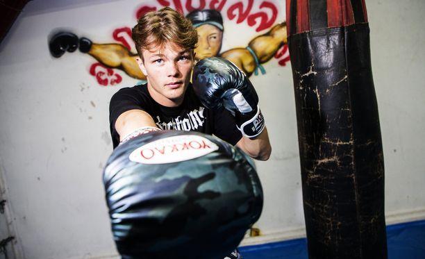 Lancelot Hedman Graaf on huippulahjakas thainyrkkeilijä.