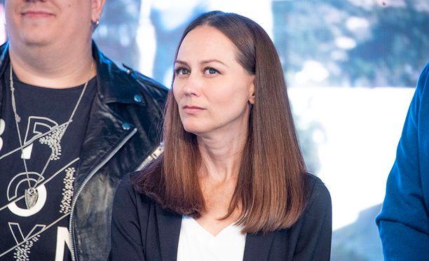 Terhi Kokkonen sai potkut Vain elämää -ohjelmasta, mutta syytä hänelle ei perusteltu.