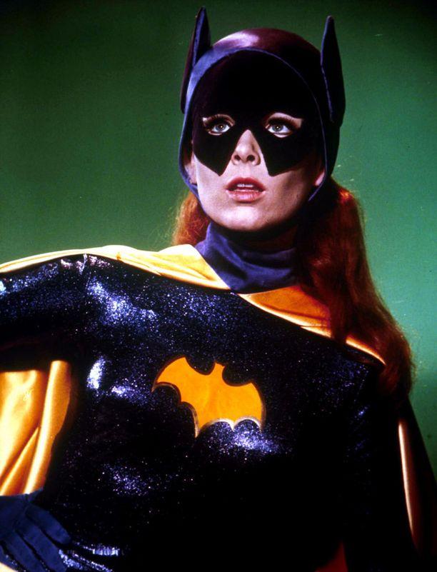Yvonne Craig Batgirlinä 1960-luvun kulttisarjassa.