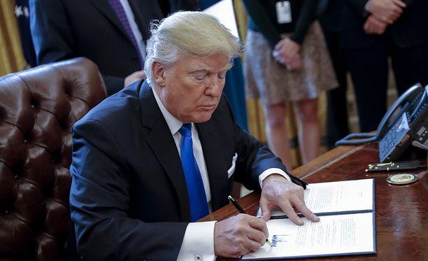 Donald Trump on aloittanut nopealla tahdilla vaalilupaustensa lunastamisen.