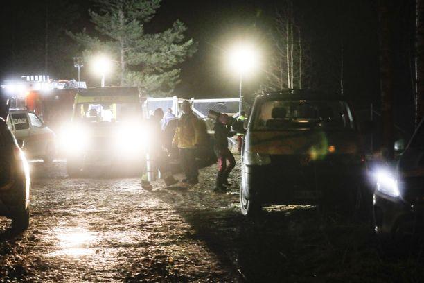 Kun sukeltajaa ei löytynyt, paikalle hälytettiin pelastuslaitos.