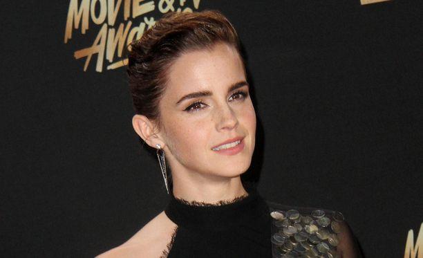 Tässä poseeraa oikea Emma Watson.