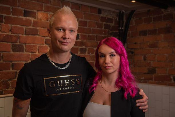 Kalle ja Pinja tukevat toisiaan myös töissä.