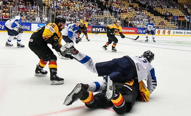 Saksa kaatoi Suomen sunnuntaina.