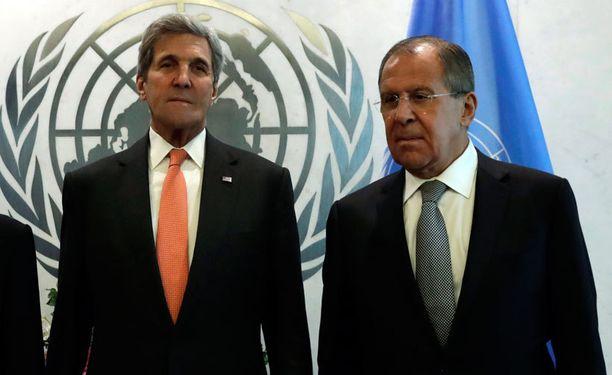 Yhdysvaltain ulkoministeri John Kerry ja Venäjän ulkoministeri Sergei Lavrov neuvottelevat tänään tulitauon mahdollisuudesta Syyriassa. Kuva on syyskuulta.