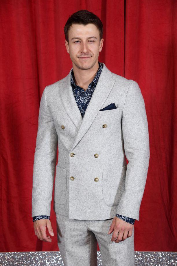 Ryan Prescott myöntää, ettei saippuasarjassa näytteleminen ole ollut hänen unelmansa.