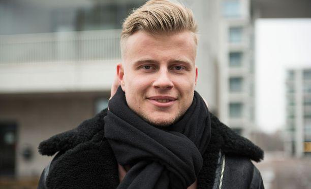 Pokerilla omaisuuden hankkinut Jens Kyllönen opiskelee nyt rahoitusalaa.