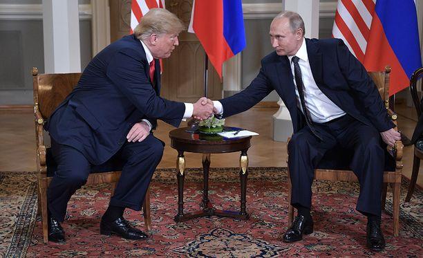 Donald Trump ja Vladimir Putin tapasivat maanantaina Helsingissä Presidentinlinnassa.