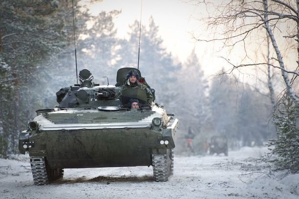 Modernisoimaton BMP-2 Tykistöprikaatissa Niinisalossa. Kuvituskuva.