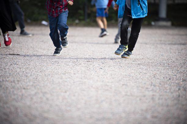 Koulukiusaaminen on vakava ongelma lukuisissa Suomen kouluissa. Kuvituskuva.