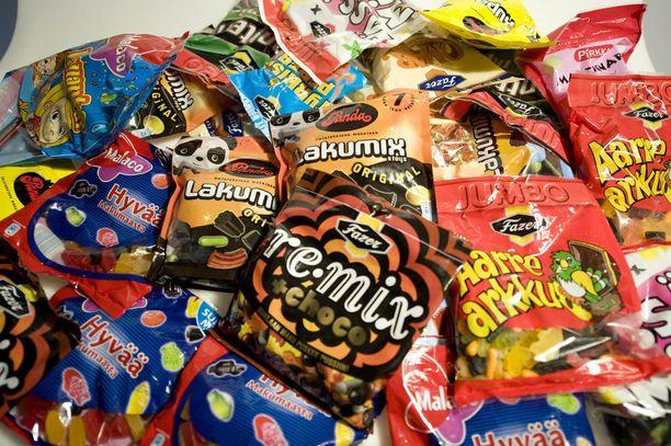 IL vertaili, halventuivatko karkkien hinnat makeisveron poistumisen myötä.