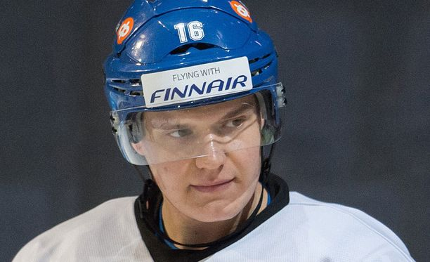 Aleksander Barkov ei ollut tyytyväinen omaan peliinsä.