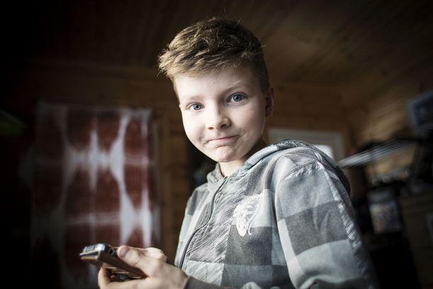 Leevi Tarkkalan, 10, leukemia uusiutui kahdesti. Vasta uusi mullistava hoito Norjassa auttoi taltuttamaan taudin.