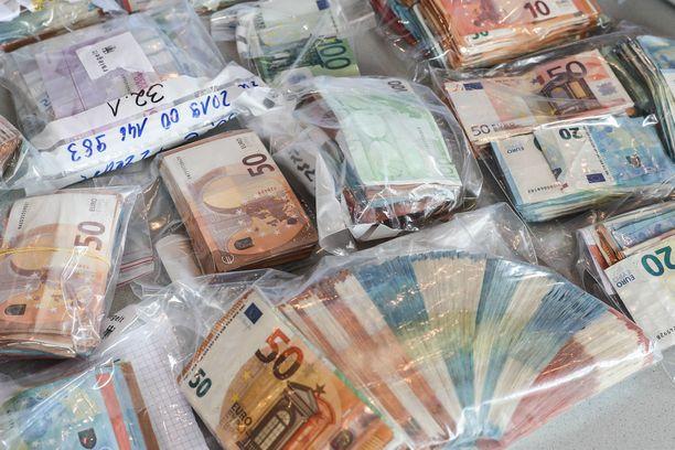 Potkunyrkkeilijä jäi kiinni valtavan huumelastin salakuljettamisesta. Kuvituskuva.