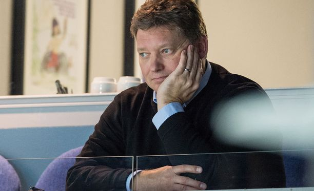 Mika Raution mielestä huono myynti ja Liigan tv-sopimus ovat vieneet Bluesin taloudelliseen ahdinkoon.