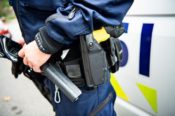 Poliisi loukkaantui vahingonlaukauksen seurauksena Kajaanissa. Kuvituskuva.