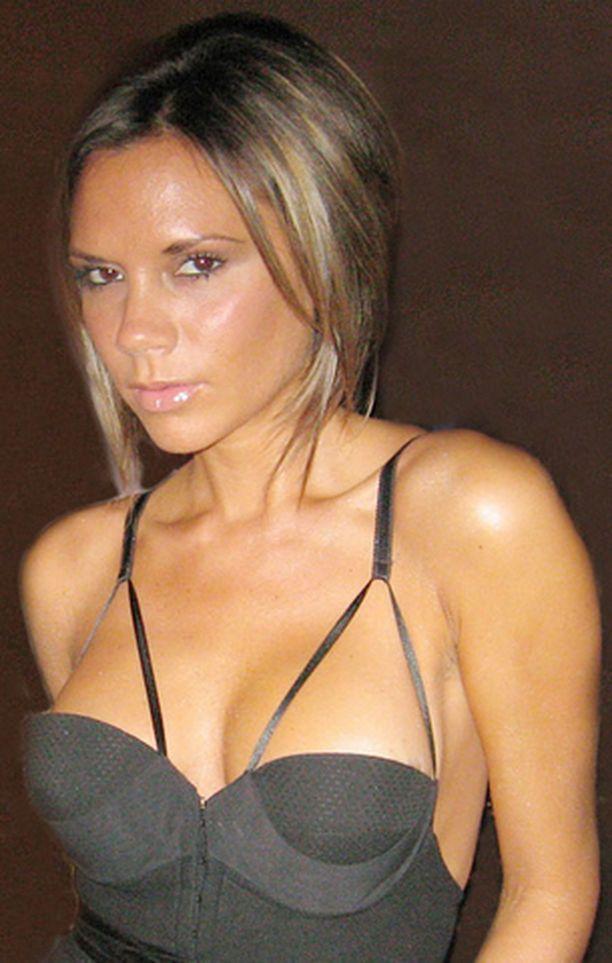 Victoria Beckhamia kosiskellaan Playboyn keskiaukeamatytöksi.