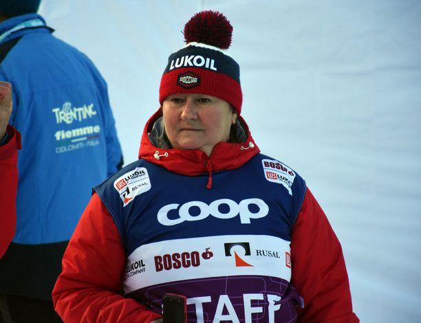 Entinen huippu-urheilija Jelena Välbe Venäjän hiihdon pomo.