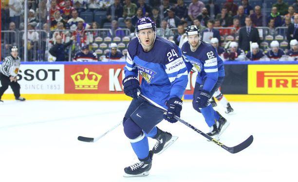 Jani Lajusella oli vaikea ilta Ruotsia vastaan aloituspisteillä.