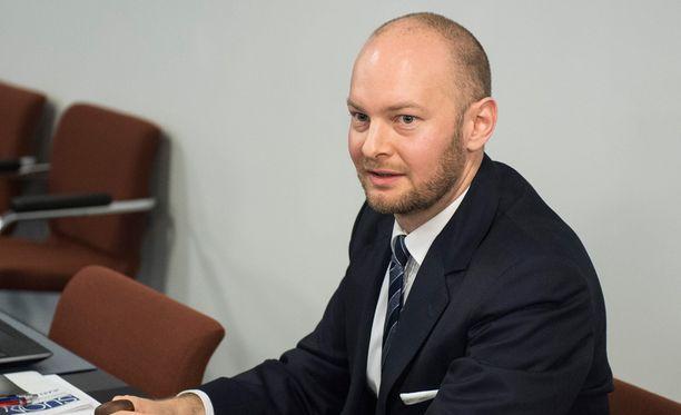 Perussuomalaisten eduskuntaryhmän puheenjohtaja Sampo Terho iloitsi perjantaisessa blogissaan, että autoveron alennus on lisännyt verotuottoa.