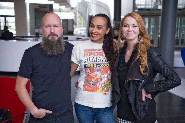 Jyrki-ohjelman Ylitornio, Tea Khalifa ja Heta Hyttinen.