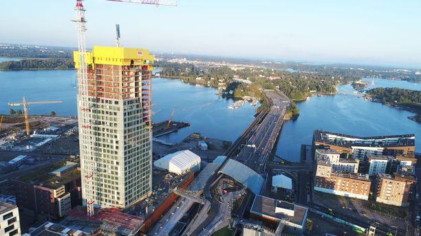 Kalasataman ensimmäisen tornitalon piti valmistua kesällä 2019.