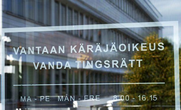 Tapausta käsitellään Vantaan käräjäoikeudessa Tikkurilassa.