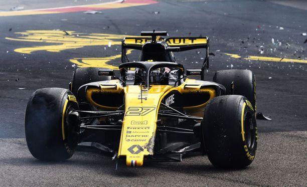 Nico Hülkenbergin matka päättyi Belgian GP:n ensimmäisessä mutkassa.