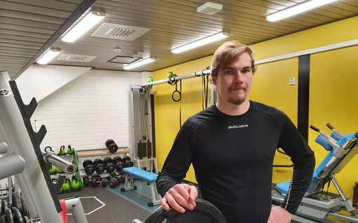 Tässä on Leijonien tuntemattomin pelaaja – vaatimaton kuin Raimo Helminen, fysiikkahirmu tykkäsi punnertaa penkistä ja bilettää