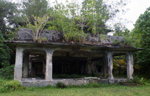 Japanilaisten toisen maailmansodan aikaisen päämajan rauniot Peleliun saarella.