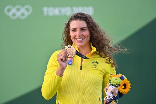 Jess Fox voitti pronssia kondomilla paikatulla kajakilla.