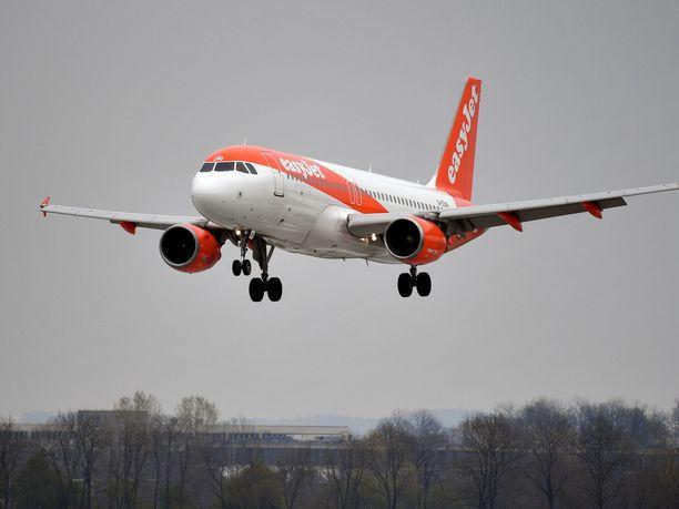 Brittijoukkue lensi viime launantaina Bristolista Alicanteen EasyJetin koneella. Kuvan kone ei liity tapaukseen.