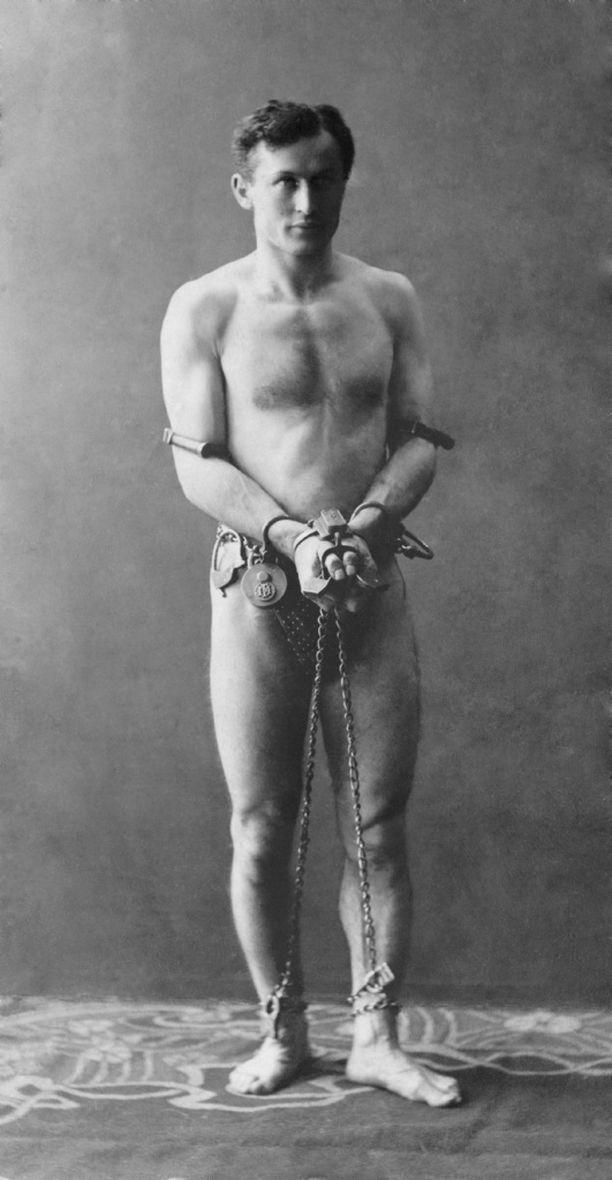 Harry Houdini oli aikansa supertähti.