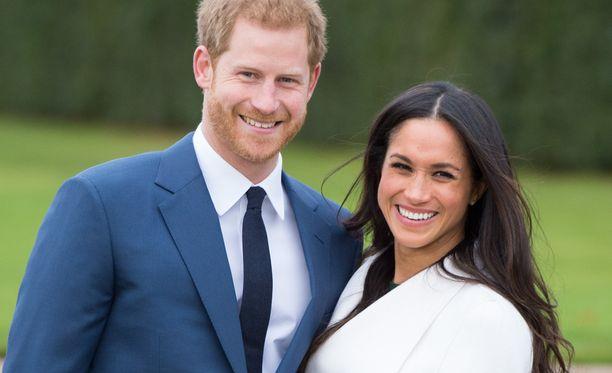 Prinssi Harry ja Meghan Markle julkistivat kihlauksensa maanantaina.