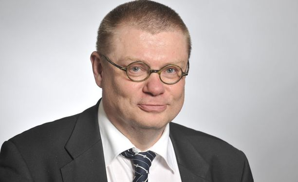 Kansanedustaja Kimmo Kivelä turvautui kiireessä internetin vapaaseen tietosanakirjaan.