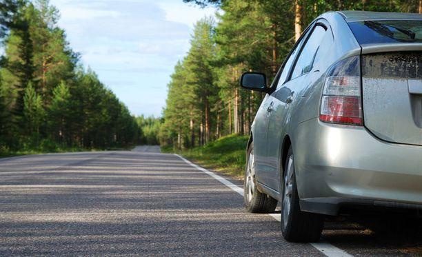 Suomalaisten suosivat niinkin räväkkää auton väriä kuin harmaata.